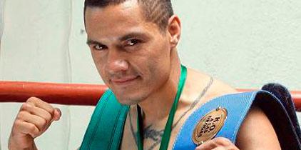Víctor Terrazas sufre; pero vence por decisión a Nehomar Cermeño