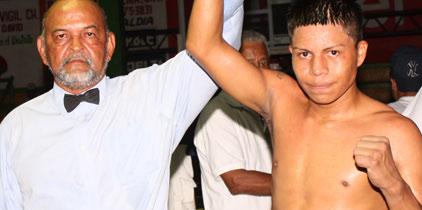 German Jurado y Nando Bailarín ganaron sus peleas con algunos apuros