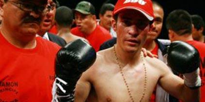 Noquean hermanos García y ambos son campeones mundiales