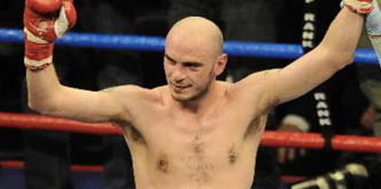 Pavlik triunfa en su retorno al ring
