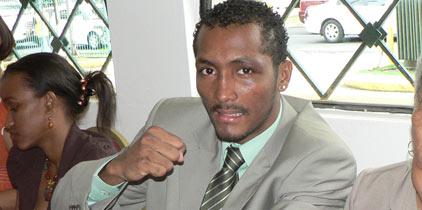 Caiz Jr será el árbitro en Moreno-Parra