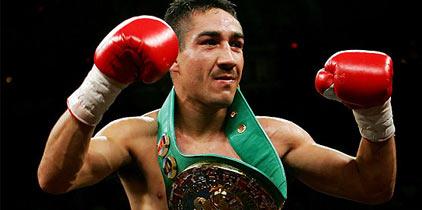 Humberto Soto aseguró que el cinturón de campeón se queda en México.
