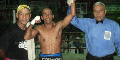Boxeo en David y Colón