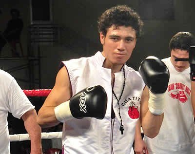 Hugo 'Cuatito' Ruiz noqueó a Yonfrez Parejo y retuvo título gallo interino