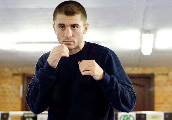 Lukáš Konečný pierde por puntos el título superwélter ante Baysangurov