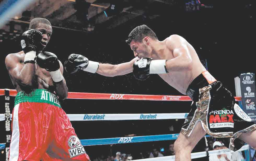 Exitosa defensa de Jhonny González