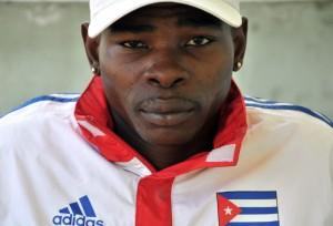 El-cubano-Rigondeaux-retiene-sus-coronas-al-superar-al-ghanés-Agbeko