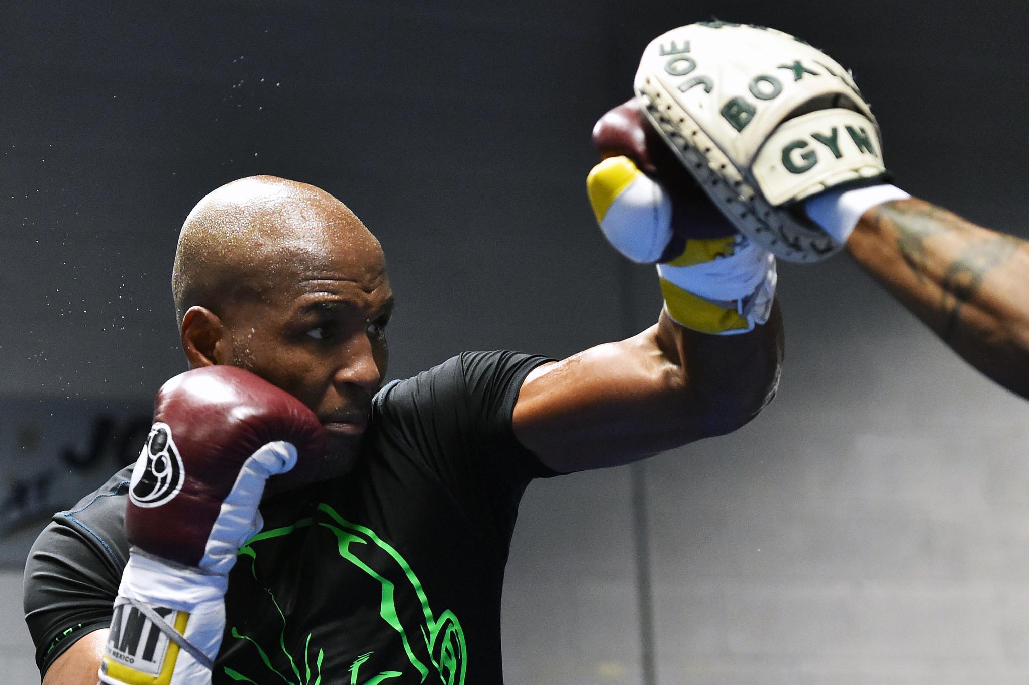 El campeón más viejo de la historia vuelve a subirse al ring