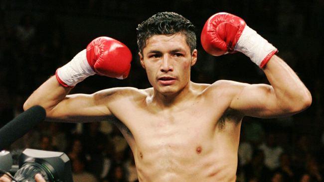 González podría defender ante Russell Jr.