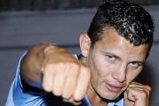 Oscar Escandón listo para defender por primera vez faja interina 122 libras