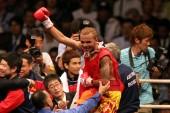 Ruenroeng retuvo el título mosca en una sucia pelea contra Casimero