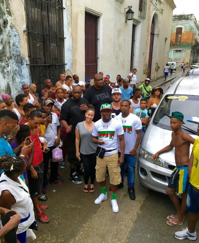 El boxeador estadounidense Floyd Mayweather visita Cuba