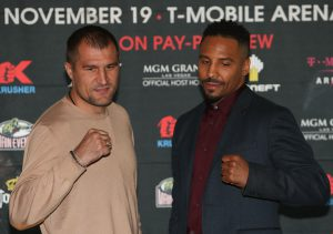 "NEW YORK, NEW YORK - SEPTEMBER 06:  Sergey Kovalev (L) and Andre Ward (R) square up during the press conference for the Kovalev v Ward ""Pound for Pound"" bout at Le Parker Meridien on September 6, 2016 in New York City.  (Photo by Michael Reaves/Getty Images)"