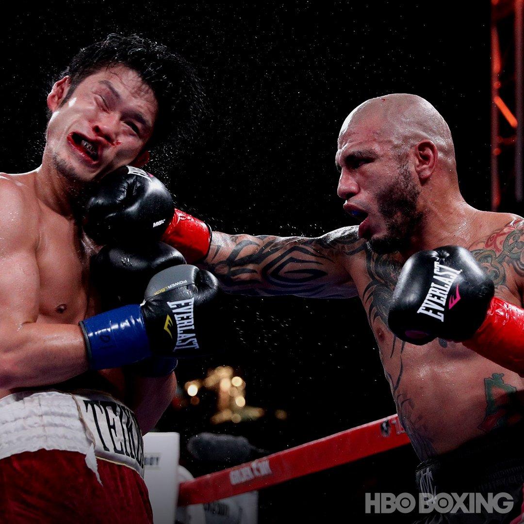 Cotto conquista su sexto título mundial frente a Kamegai en explosivo combate