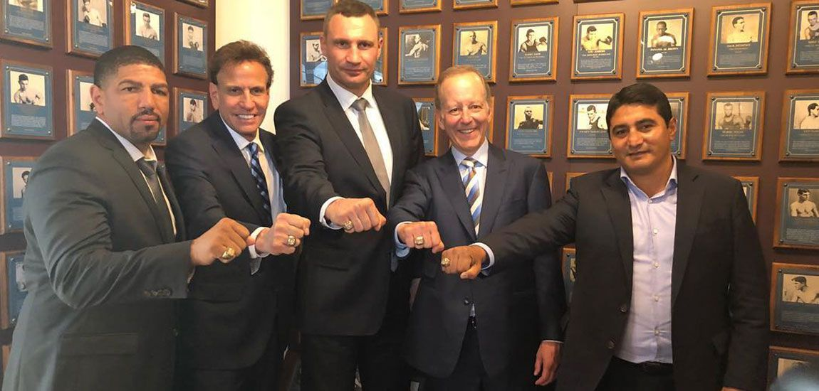 Morales, Klitschko y Wright entran al Salón de la Fama