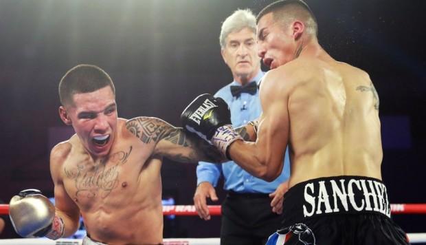 El mexicano Óscar Valdez logró retener su título como campeón de peso pluma contra Jason Sánchez