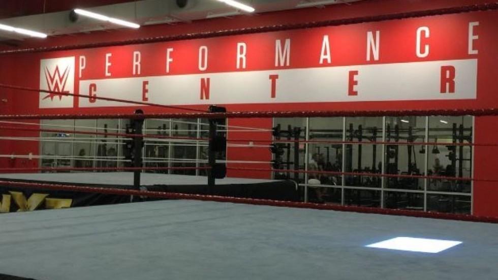 El mundo del boxeo podría negociar con WWE para realizar shows en el Performance Center
