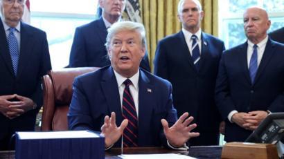 Trump: 'Quiero que los fanáticos vuelvan a las arenas'