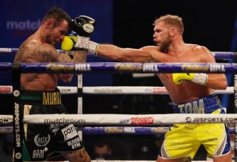 Saunders vence ampliamente a Murray