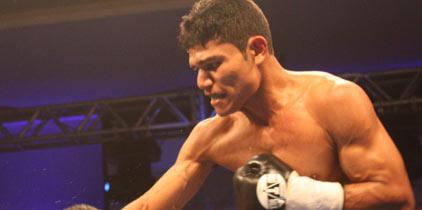 Roinet pelea el 27 de mayo en el RIU