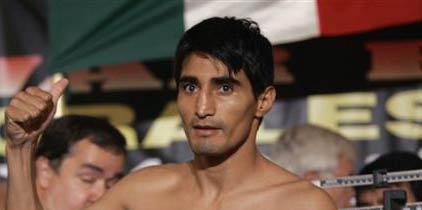 Morales va contra «La Hiena» Barrios en Mayweather-Ortiz