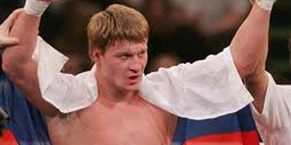 Povetkin gana el el título de los pesados de la AMB derrotando a Chagaev