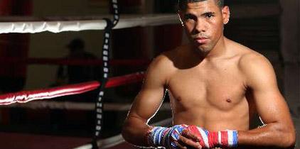 Juanma López noquea a Mike Oliver en el segundo asalto