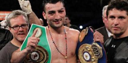 Vanes Martirosyan ganó por decisión unánime a Richard Gutiérrez