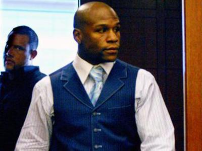 Floyd sentenciado a 90 días de cárcel