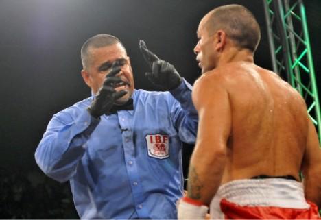La FIB suspende DE POR VIDA a Luis Lazarte por amenazar vida del árbitro