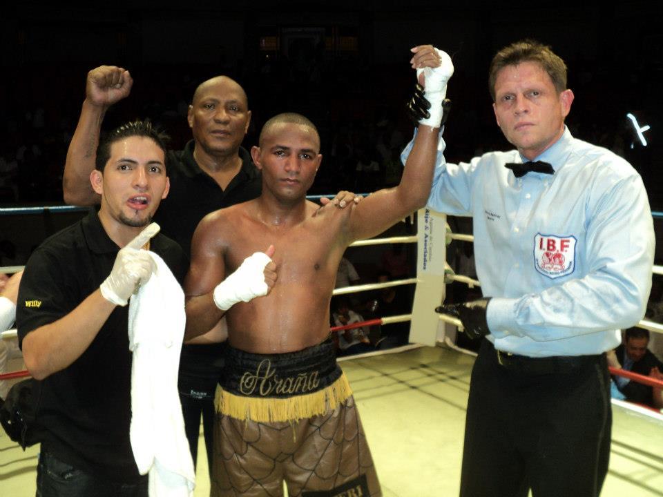 «La Araña» Vásquez noquea en República Dominicana