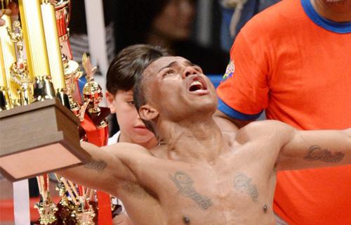 Liborio Solis destronó a Kohei Kono y Jaidier Parra no pudo con Takashi Uchiyama