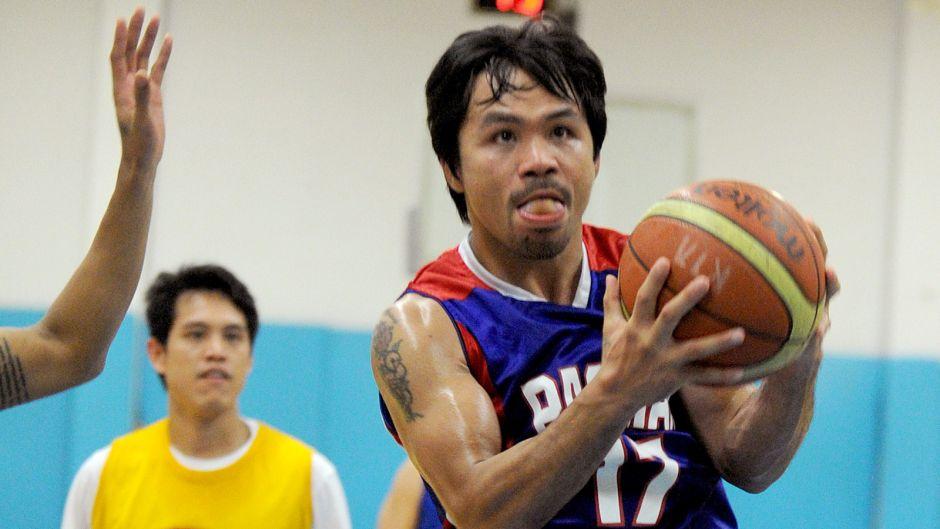 Manny Pacquiao realizó su sueño de debutar como basquetbolista profesional