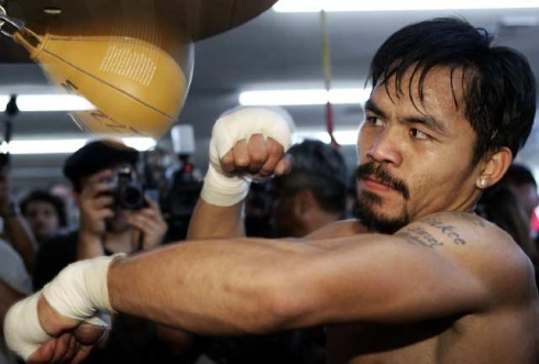 Manny Pacquiao rompe nariz a un sparring