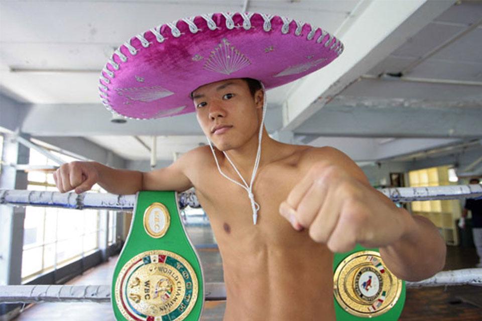 Tomoki Kameda ganó a Alejandro Hernandez por el título gallo OMB