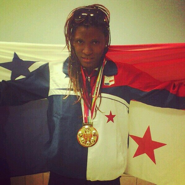 Panameña Atheyna Bylon gana primer combate en mundial