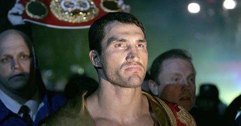 Klitschko noqueó a Pulev y retuvo su corona