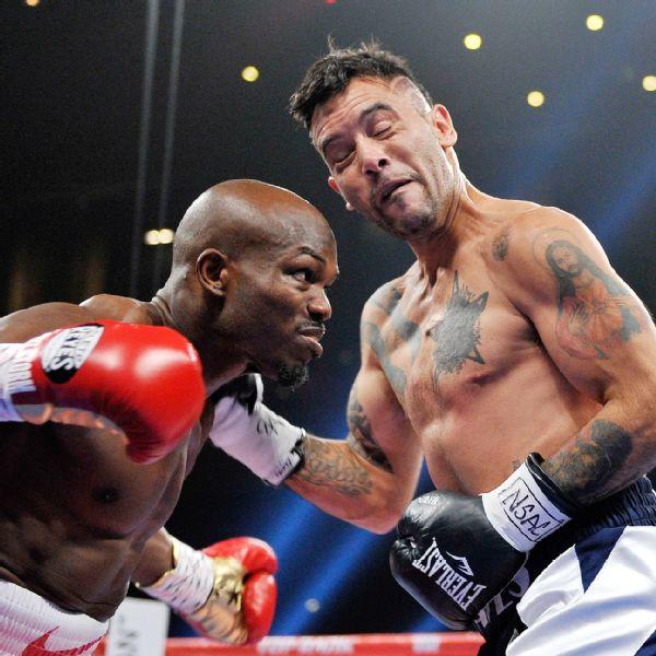 Sorpresivo empate en la pelea de Bradley y Chaves. Lee y Benavidez se coronan