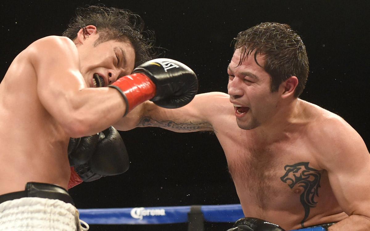 Yoshihiro Kamegai cae ante Alfonso Gómez