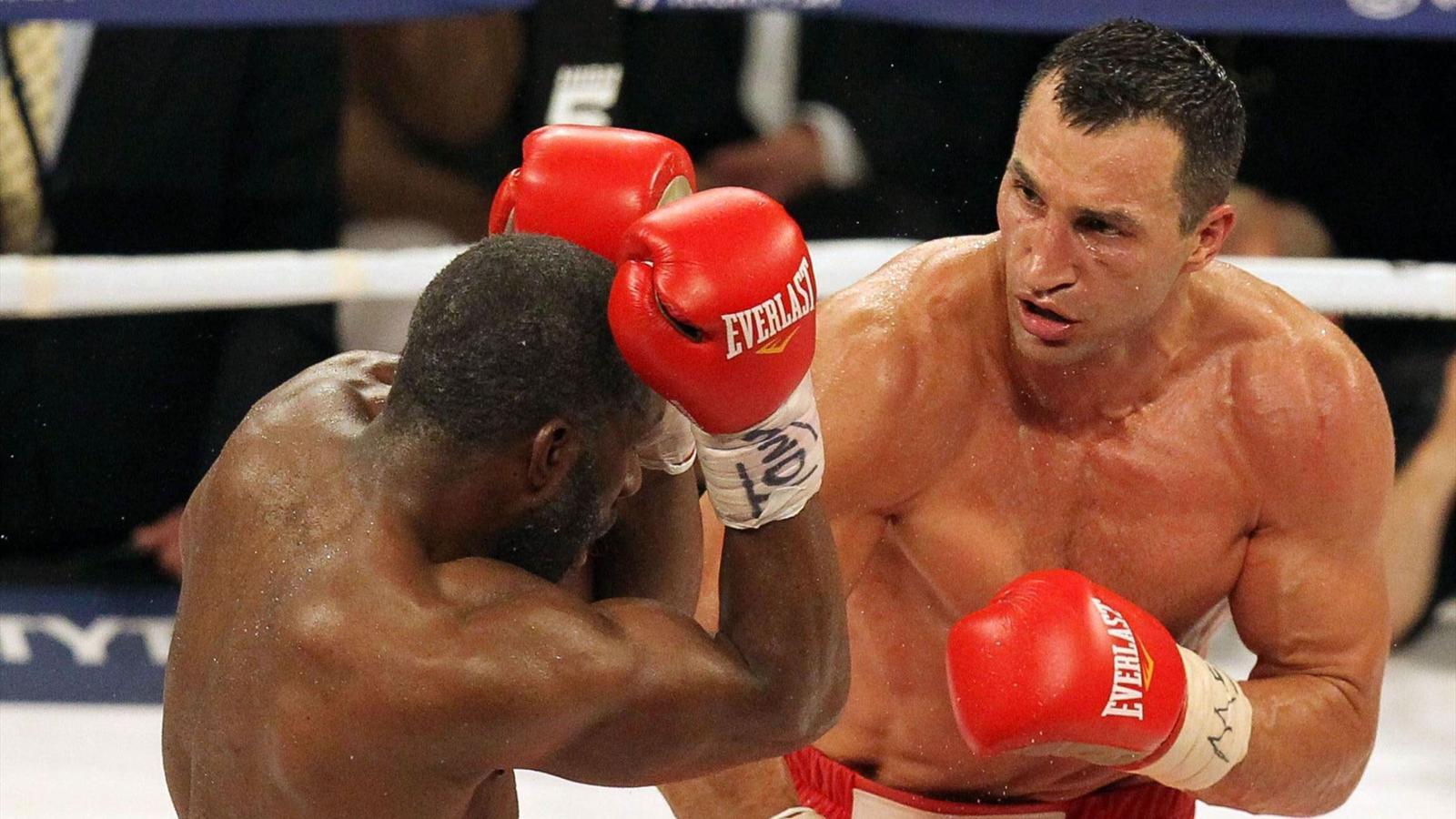 Klitschko gana a Jennings y retiene títulos de los pesos pesados
