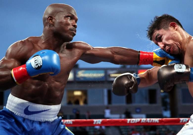 Bradley supera un raro final, gana a Vargas por cinturón OMB