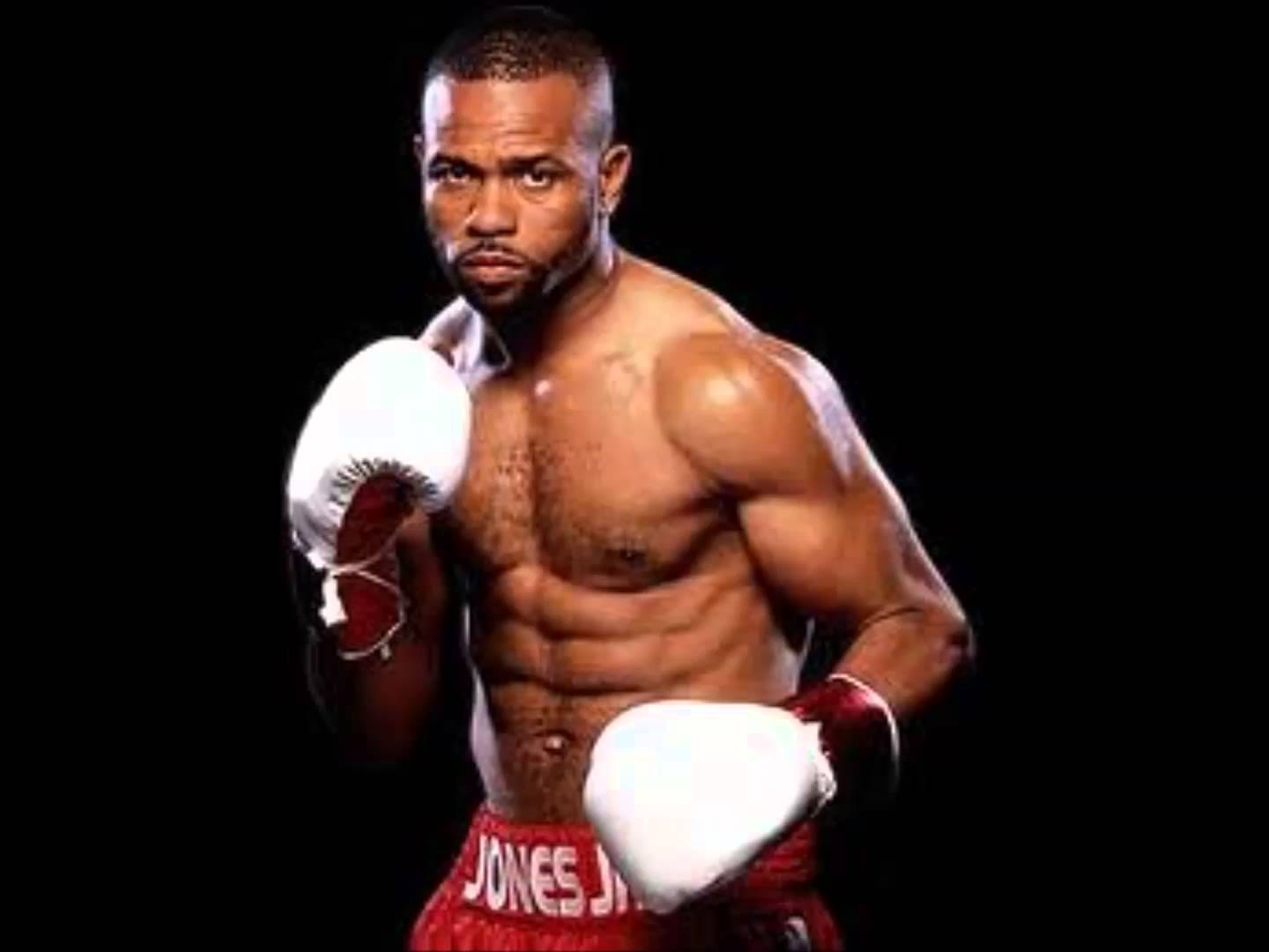 Roy Jones Jr. insiste en seguir en el boxeo