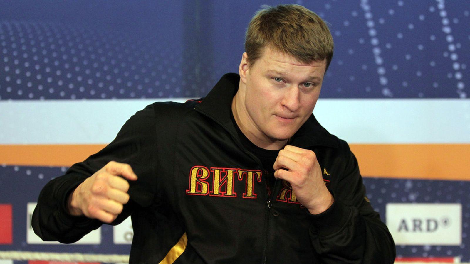 Povetkin gana a Wach y Lebedev retiene el título ante Kayode