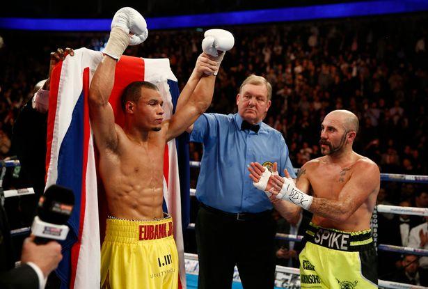 Chris Eubank Jr venció por TKO 8 en Londres