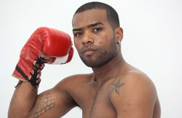 «El Invisible» Corrales es el campeón mundial 30 del boxeo panameño