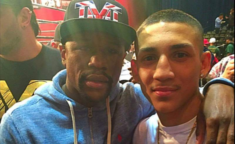 El boxeador hondureño en el que Mayweather ha puesto sus ojos