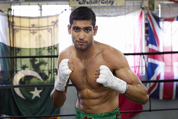 Agrada a Amir Khan que la gente piense Canelo le dará KO