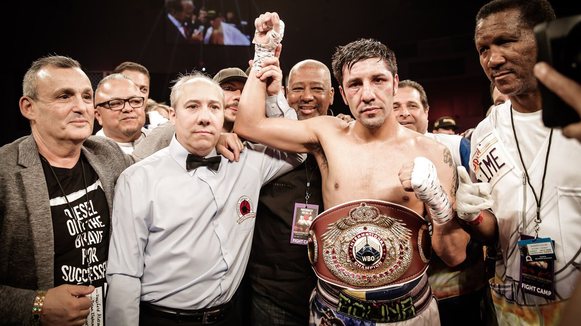 John Molina Jr. ganó en una guerra a Ruslan Provodnikov