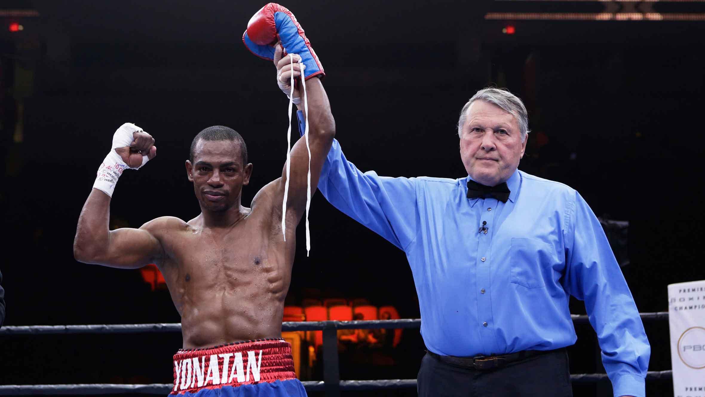 Jonathan Guzmán conquista título mundial de boxeo al noquear a japonés Wake