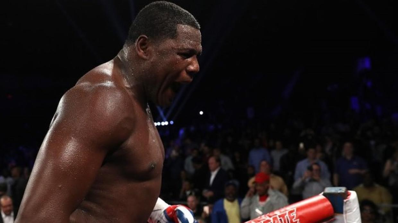 Luis Ortiz sin problemas y en una pelea mala derrotó a Malik Scott